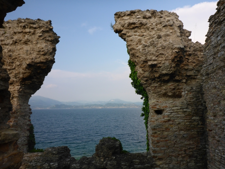 grotto catullus lake garda italy