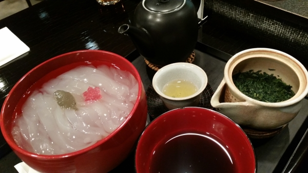 Kuzukiri and green tea set, Toraya cafe ginza tokyo traditional japanese dessert